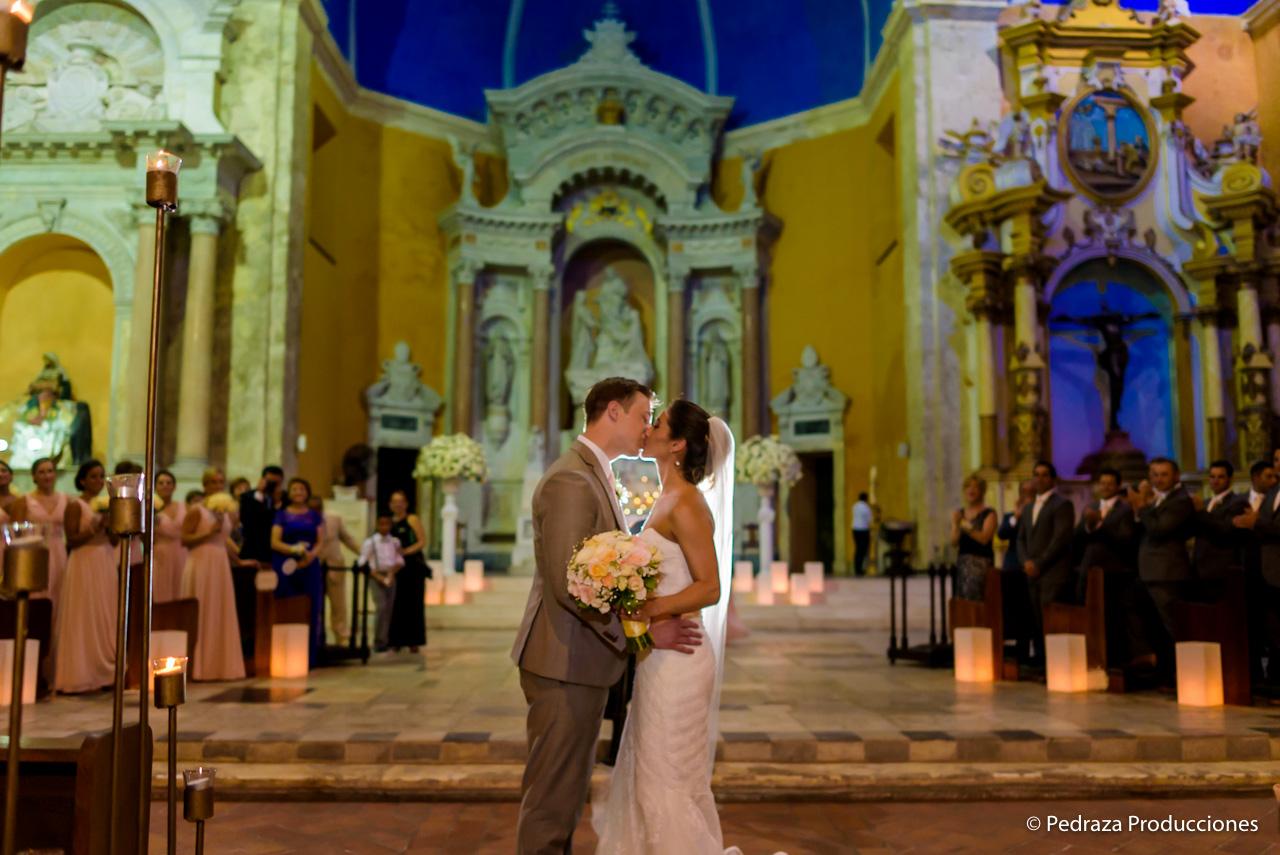 boda-en-casa-conde-de-pestagua-en-cartagena-de-indias-laura-y-marc0025
